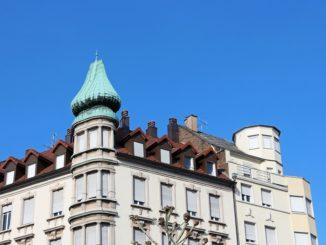 bien immobilier ciel bleu